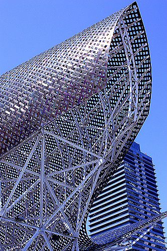 Detail of Gehry's Fish sculpture located in front of the Port Olímpic, in Barcelona, Catalonia, Spain.
