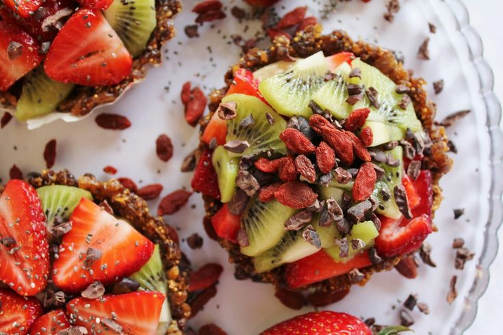 These vegan tarts are all fruit and the crust is nut-free, made from only dried dates, raisins and figs.