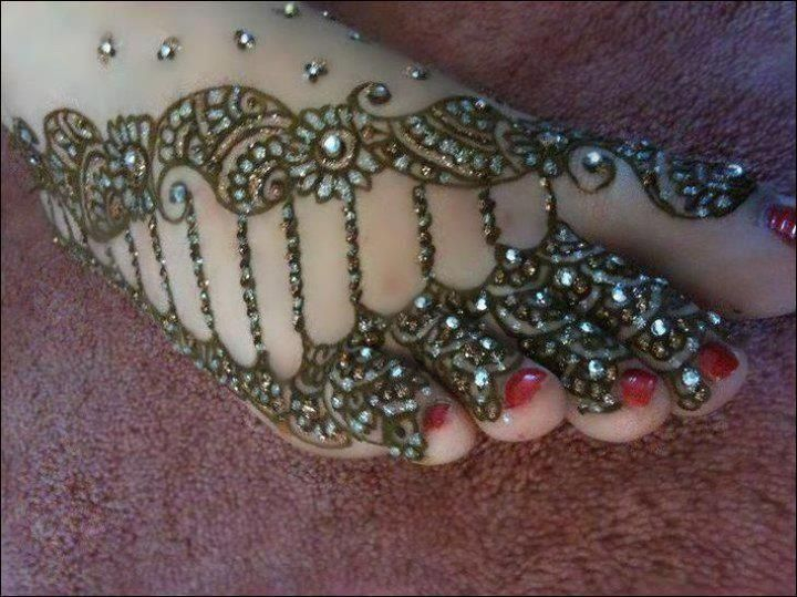 Mehndi Designs Feet N : Beautiful and latest floral foot mehndi design tutorial