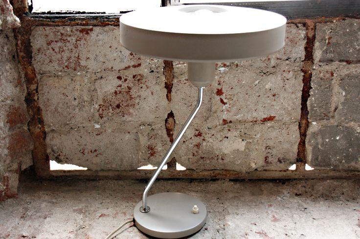 Louis Kalff Z Tablelamp, gesuchtes Designerstück im Originalzustand. www.riccio.de