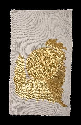 Como un jardín japonés pero vertical y con un efecto pan de oro. Stone White II  by Olga de Amaral.