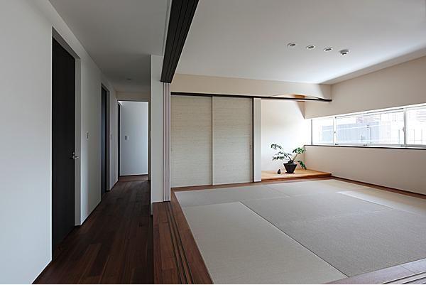 その他事例:開放的な和室(『NKK』パティオのある上質なモダン住宅)
