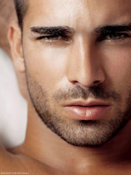 Ruben Cortada -Rubens Cortada, Male Face, T-Shirt Cortada, Rubén Cortada, Eye Candies, Eye Liner, Beautiful Eye, Hot Guys, Hot Men