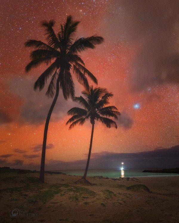 Красное атмосферное свечение (airglow) над островом Пасхи, Чили. Фото, пляж, Природа, красота, звёзды