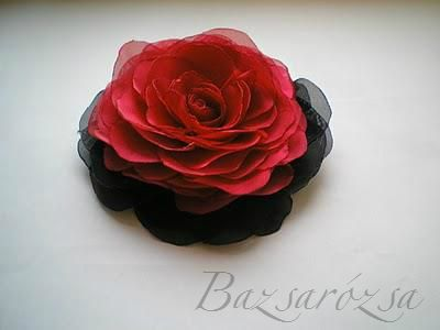 vörös, piros, fekete, Bazsarózsa, rózsa, kitűző