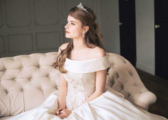 お上品な雰囲気が可愛すぎる*ウェディングドレスのえりの種類〔ロールカラー〕ってご存知?♡のトップ画像