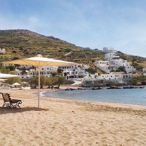 island of Sikinos (Σίκινος) The quiet beach of Allopronia !