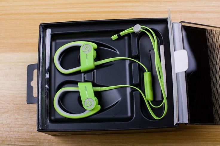 http://www.bonanza.com/listings/Beats-by-Dr-Dre-wireless-Powerbeats2-Bluetooth-IN-EAR-green-Headphones/370121028