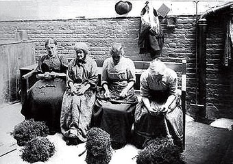 Poor women making baskets in the workhouse - Victorian. Inmates would be given menial tasks as part of the Victorian ideal of salvation through work #victorianpoor #yearsgoneby #socialhistory