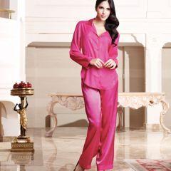 Nurteks 5656 Pijama Takım. %82 Polyamide % 18 Elastan'dan oluşmuştur.Ütülenmez ve de sıkmadan asarak kurutulur. 30 derecede elde yıkanabilir