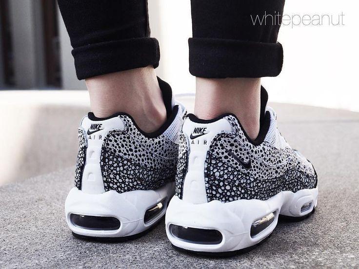 Sneakers femme - Nike Air Max 95 (©whitepeanut)