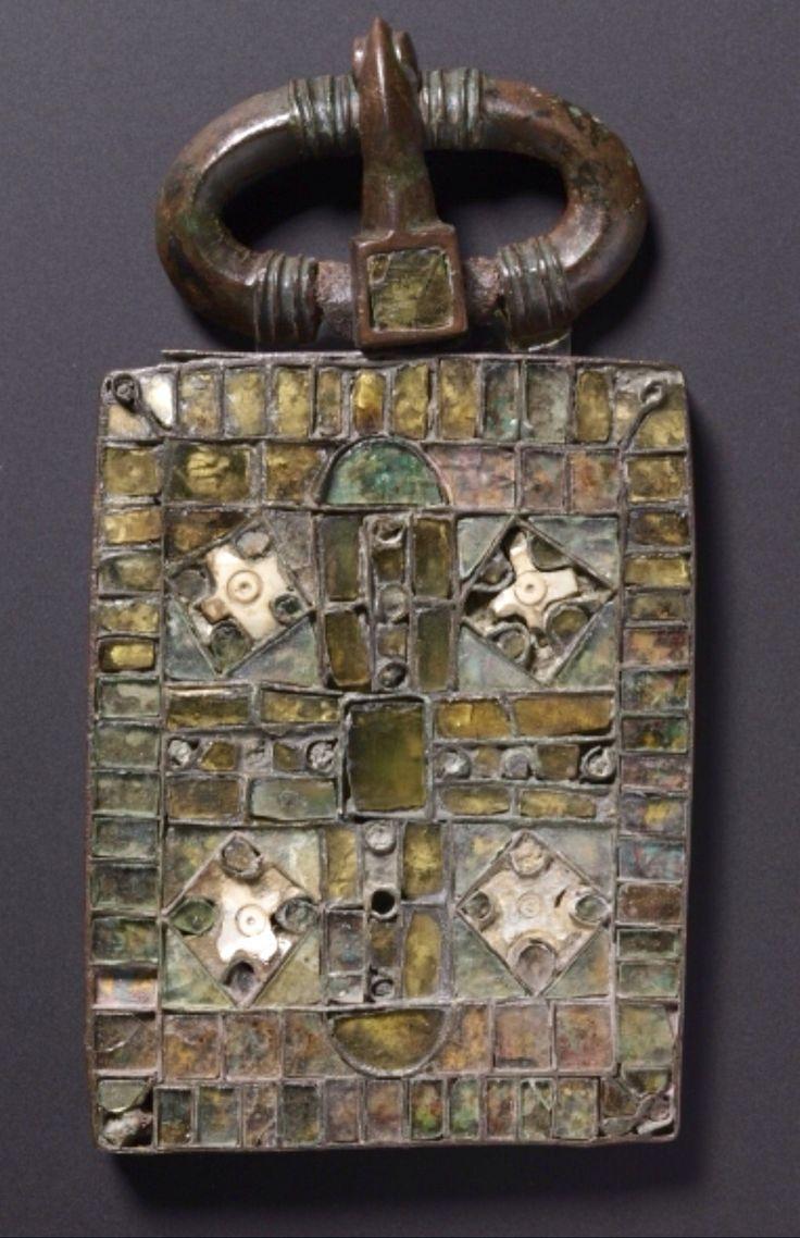 Belt Buckle - Visigothic, Iberian Peninsula, Migration period, 6th century / Cleveland Museum of Art.