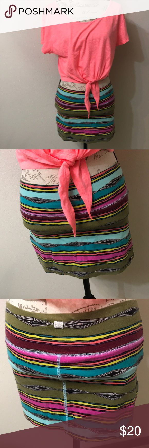 """Billabong mini skirt Super cute mini skirt! Thick fabric, never see through Sits on hips  Top also available in closet  Mannequin measurements: Bust-34"""" Waist-27"""" Hips-34"""" US-2/4  BE SURE TO BUNDLE YOUR LIKES FOR A PRIVATE OFFER! <3 Billabong Skirts Mini"""