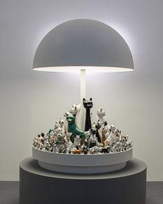 Luminárias escultóricas são tema de exposição em galeria de Nova York