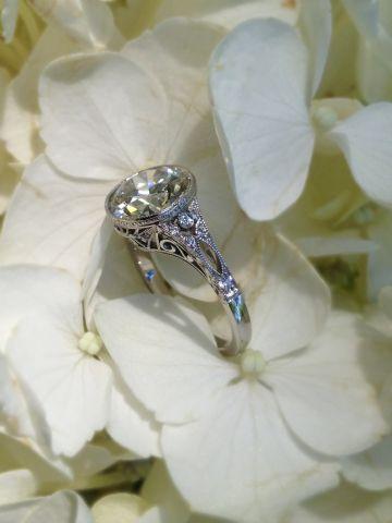 Jewel of the Week - Summer Romance: Vintage-Inspired Wedding Set + Re-Proposal | PriceScope