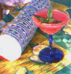 Margarita de sandia fresca    Ingredients      4 oz Mezcal Minero      ¾ oz de Grand Marnier      4  cubos de sandía congelada      4  ramitas de menta      8 hojas de menta      una pizca de vainilla fresca, molida      jugo de 1 limón      jugo de ½ lima    Instructions      Coloque todos los ingredientes en una licuadora y mezcle      Vierta la mezcla en copas de martini fría  Notes  Prepare con anticipación los cubitos de sandia y congelelos