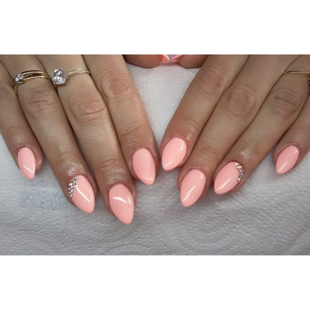 Sleeping beauty od Semilac :) #semilac #diamondcosmetics #ilovesemilac #nailart…