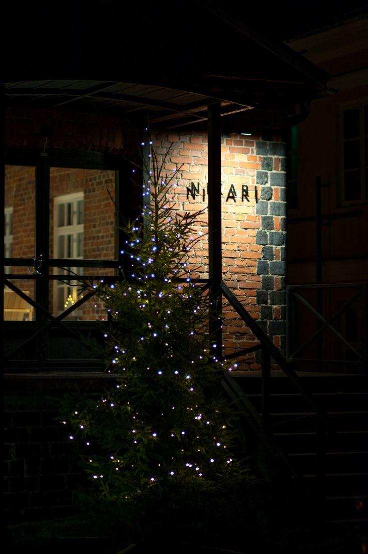 Christmas tree in front of the Nikari studio workshop in Fiskars 2017 - Wishing you a wonderful festive season!