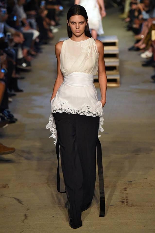 36 Melhores Imagens De New York Fashion Week No Pinterest Desfile De Moda Semanas De Moda E