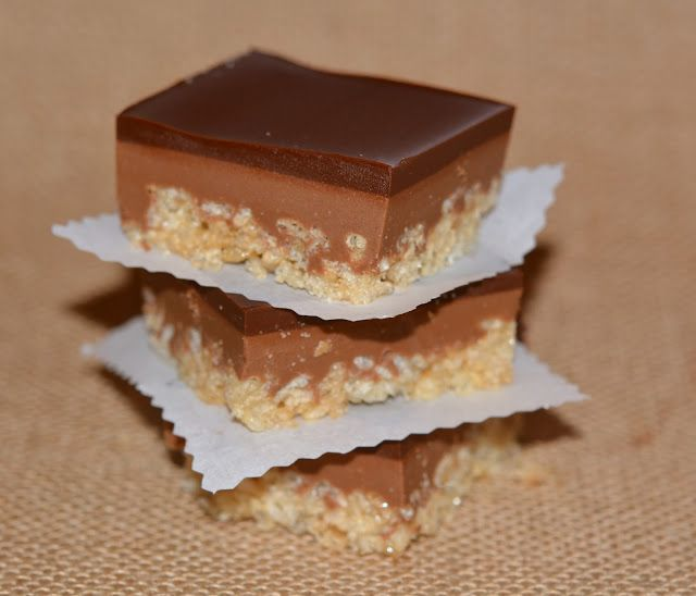 CARAMEL PEANUT BUTTER KRISPY BARS TOPPED WITH A THICK, CHOCOLATE GLAZE | Hugs and Cookies XOXO
