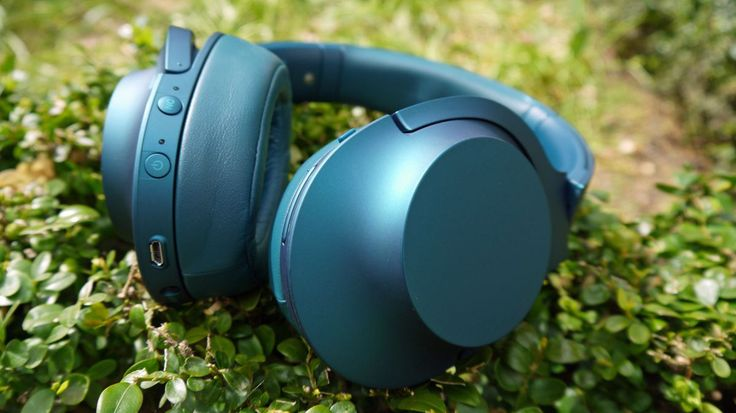 The best noise-cancelling headphones available today