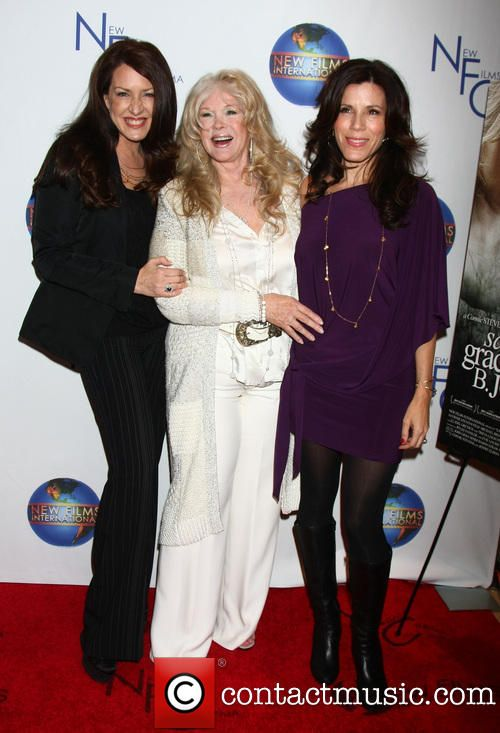 Joely Fisher and Tricia Leigh Fisher with their mom Connie Stevens