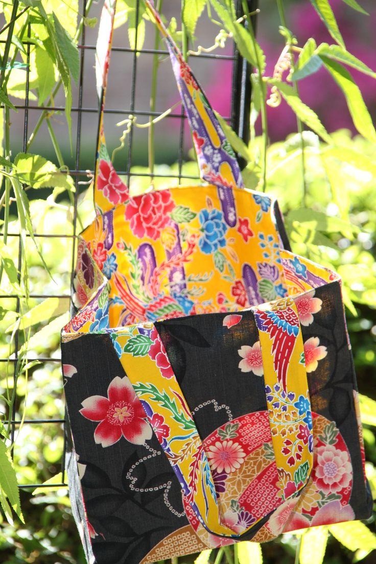 "My reversible ""Lunch bag"" in black Mari fabric and vibrant yellow Okinawa style Japanese fabrics"