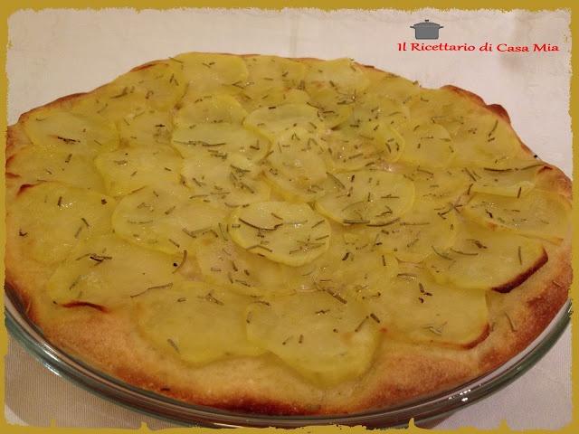 Pizza con Patate e Rosmarino