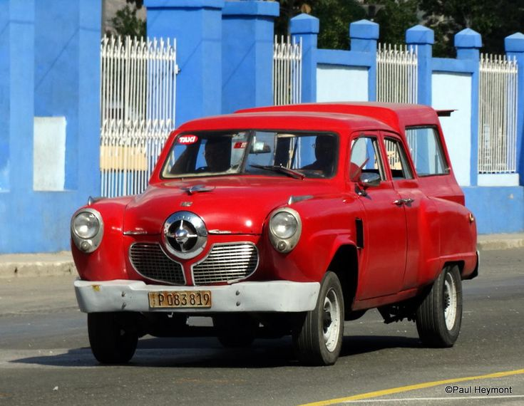 Those famous Cuban cars, behind the scenes...