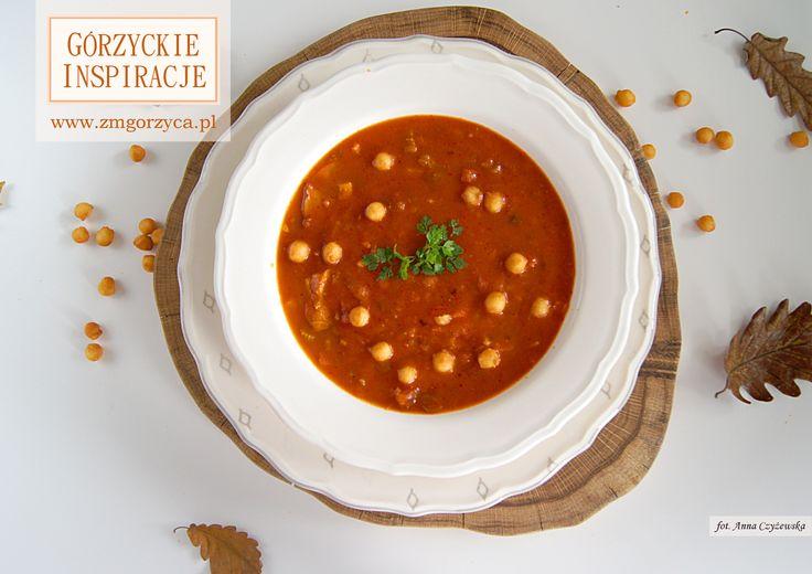 Zupa z pieczonych pomidorów z dodatkiem polędwiczki wieprzowej i wędzonki wieprzowej http://zmgorzyca.pl/index.php/pl/kulinarny/zupy/417-zupa-z-pieczonych-pomidorow