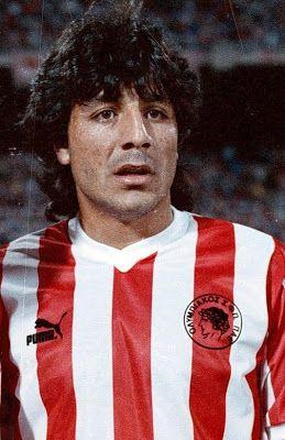 Funes Juan Gilberto. San Luis. Argentina.  (1963-1992). Επιθετικός. Από το 1988-1989.                      (29 συμμετοχές 10 goals).
