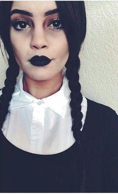 Maquillaje para el disfraz de Miércoles, uno de los personajes de La Familia Adams