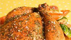 Zvýrazní každou chuť, špetka se přidává snad do každého jídla. Nejstarší konzervant a základní dochucovadlo. To je sůl. Jaké druhy existují a jak se vaří pouze se solí? Server Lidovky.cz přináší pár tipů a rad.