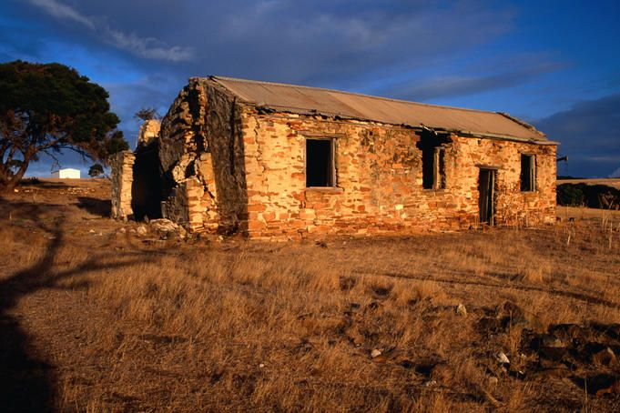 An old abandoned stone farmhouse near Emu Bay on Kangaroo Island, a reminder of the hardships faced by the early settlers