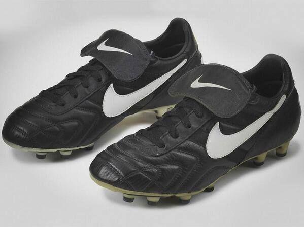 liderazgo Medieval carrete  Nike Tiempo '94 OG (Romario) - 2 | Chuteira nike cano alto, Nike, Nike  vintage
