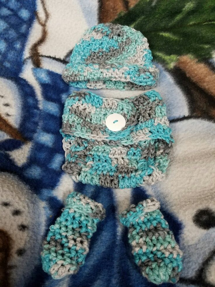 Blue and gray baby beanie diaper cover and booties for Noah