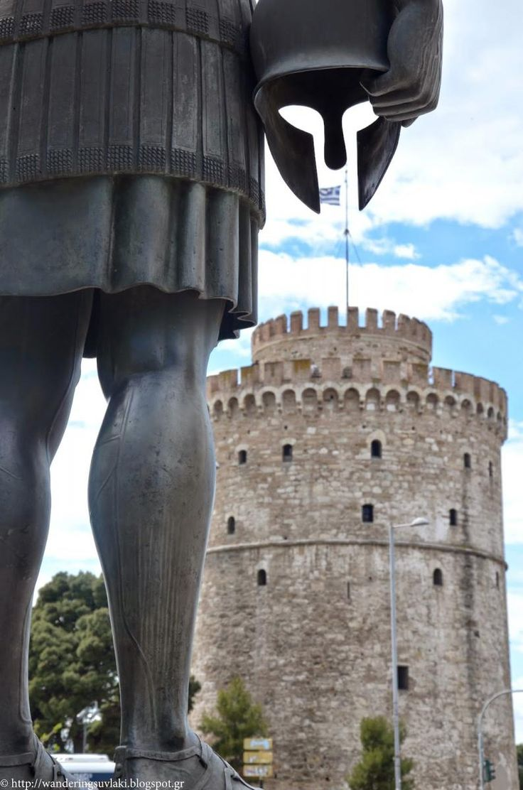 WHITE TOWER & STATUE OF PHILIPPOS , THESSALONIKI, MACEDONIA, HELLAS
