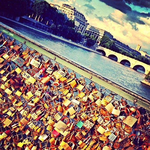 17 best images about locks on pinterest verona italy for Locks on the bridge in paris