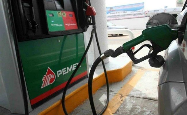 Precio de gasolina bajara dos centavos: Hacienda - http://www.notimundo.com.mx/finanzas/precio-gasolina-bajara-dos-centavos-hacienda/