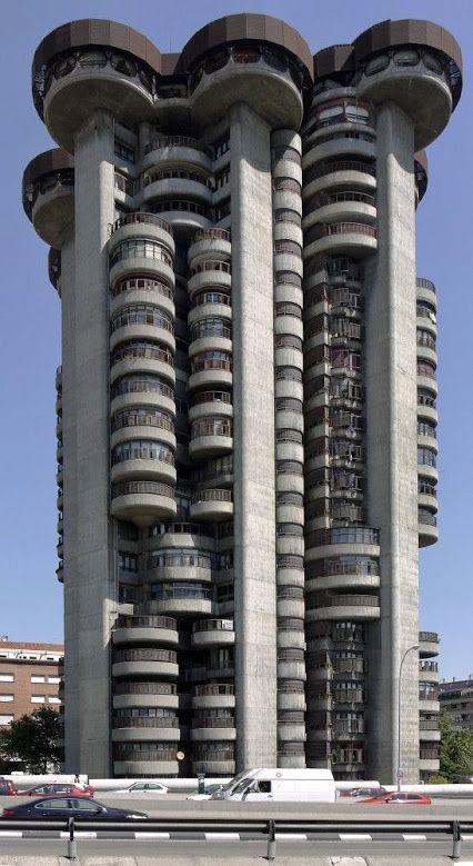 El Edificio de la Torre Blanca, Madrid, España.
