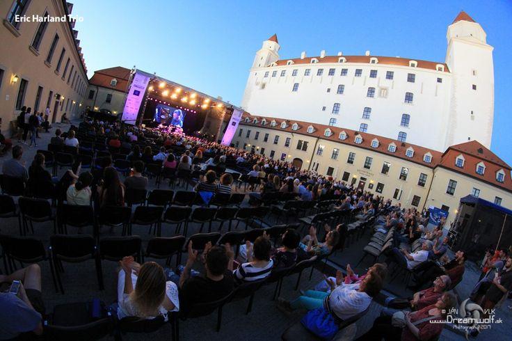 Náš fotograf Ján Vlk - Dreamwolf vám prináša fotky z festivalu One day Jazz 2015, ktorý sa konal 21. – 22. mája v Istropolise v Bratislave.