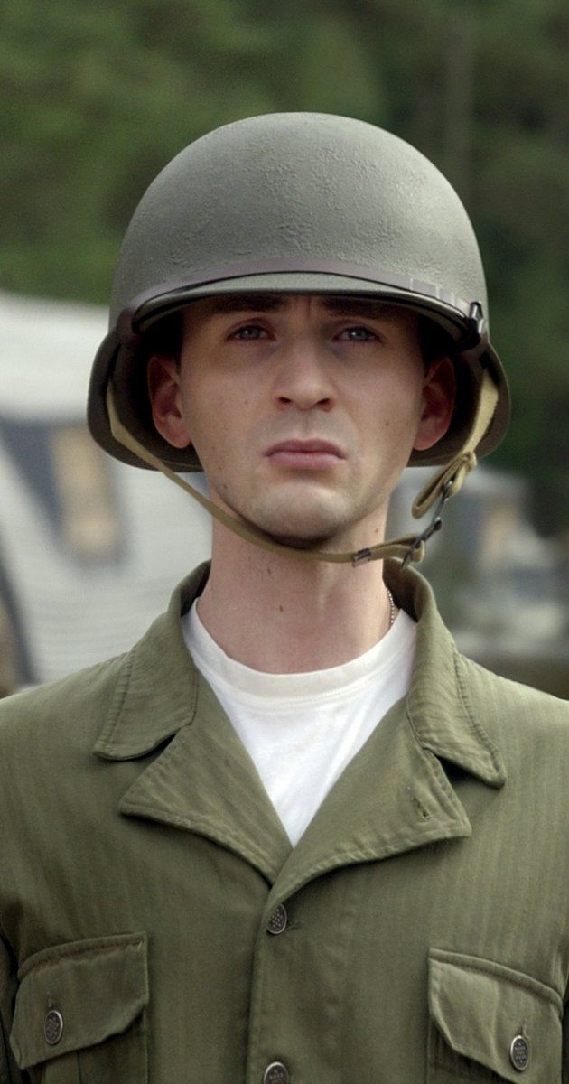 Steve Rogers (Chris Evans) - Captain America: The First Avenger (2011)