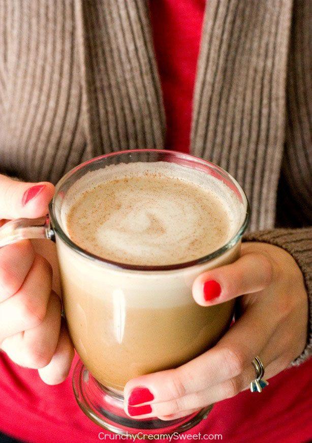 Skinny Pumpkin Spice Latte | crunchycreamysweet.com #coffee