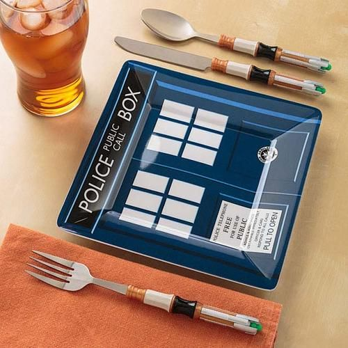 Doctor Who Sonic Screwdriver Cutlery Set and melamine plates...on thinkgeek.com
