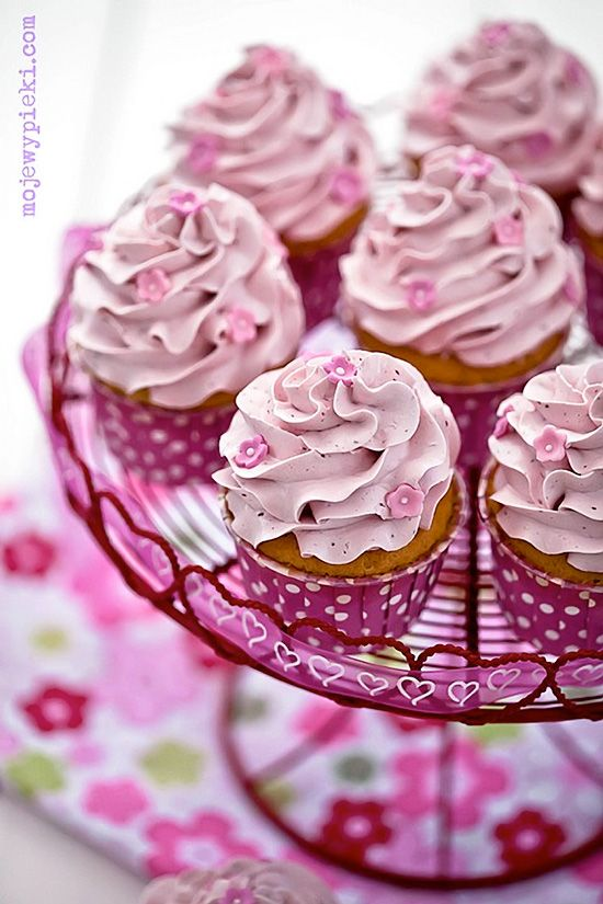 THINK PINK for Breast Cancer awareness. RASPBERRY Cupcakes with Raspberry Swiss Meringue Buttercream Icing. http://thecupcakedailyblog.com/raspberry-cupcakes-with-raspberry-swiss-meringue-buttercream/ #cupcake #recipes
