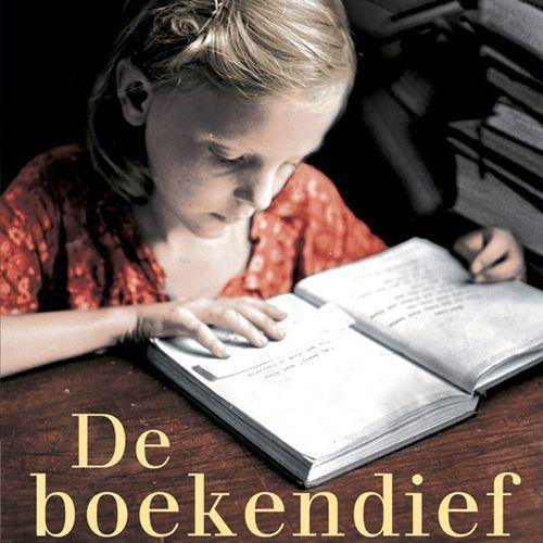 ★★★★★ Markus Zusak – De boekendief (2006) Het boek begint fantastisch met een aparte schrijfstijl en mooie poëtische zinnen. Maar op een gegeven moment ging het me wat tegenstaan en vond ik h…