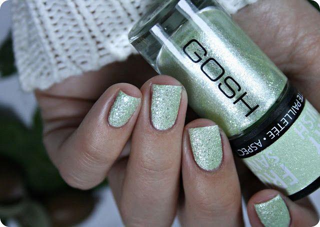 Malý koutek krásy: GOSH 008 Berry Me, 09 Frosted Soft Green & 593 Midnight Blue