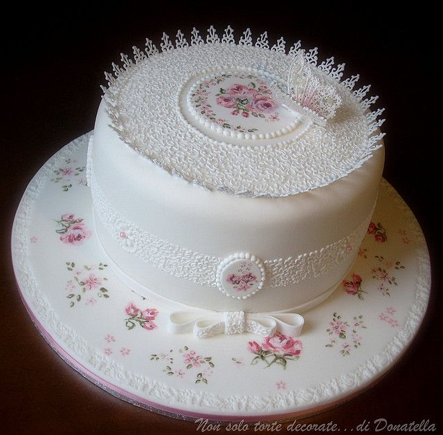 649 best Lambeth Style Cakes images on Pinterest Royal ...