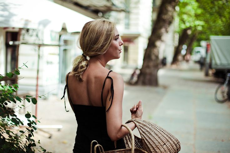 You know, just being totally fabulous while walking down a fabulous street, going to buy vegetables to put in my fabulous baskets.  : Friends Of, Summer Skin, Inspiration, Summer Style, Fabulous Baskets, Image Styles, Apartment, Of Friends