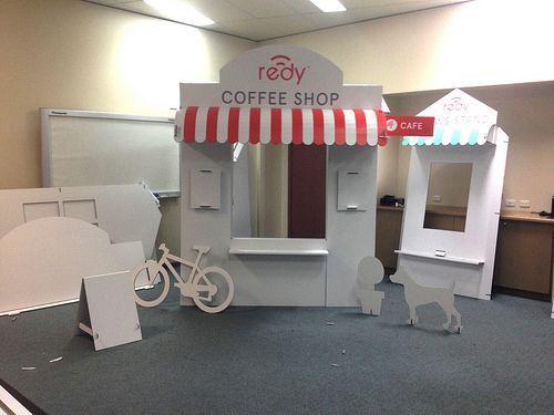 Reboard - Falconboard Cardboard Design - Pop-Up Store
